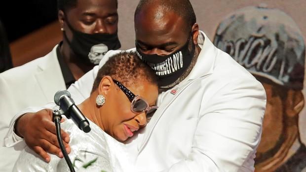 En directo: La familia de George Floyd pide justicia en el funeral: «Él va a cambiar el mundo»