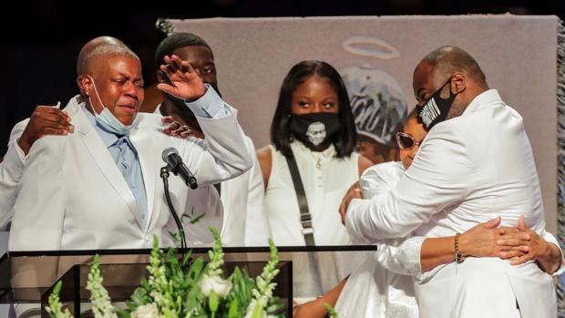 Llamadas a la «justicia racial» y el cambio en EE.UU. en el último adiós a George Floyd