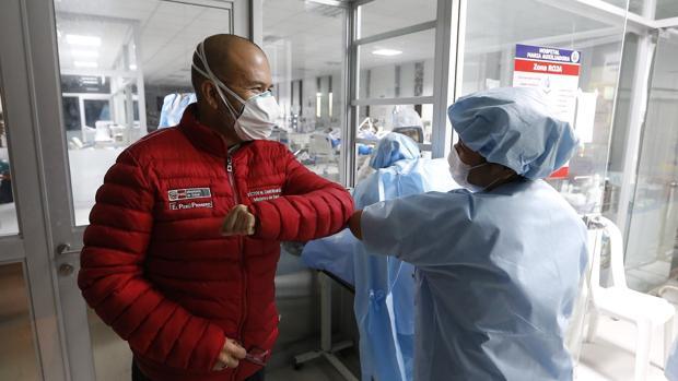 Perú, el segundo país con más contagios en Latinoamérica, anuncia la apertura de las actividades económicas