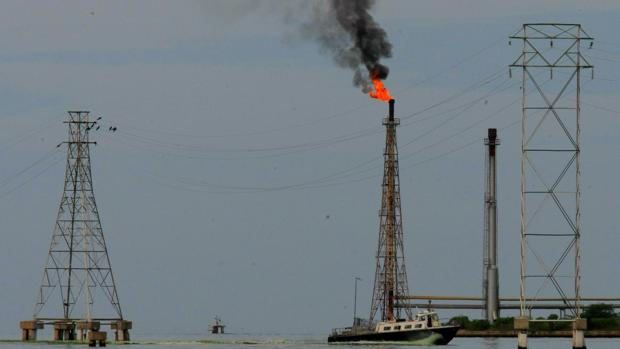 EE.UU. desarma una trama de contrabando del petróleo venezolano desde México