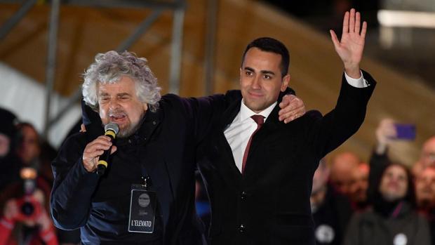 Grillo intenta poner orden en el caos del M5E tras el «Venezuelagate»