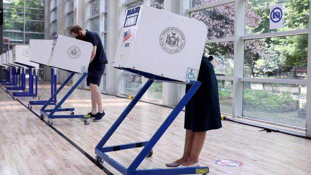 El terror de Trump al voto por correo