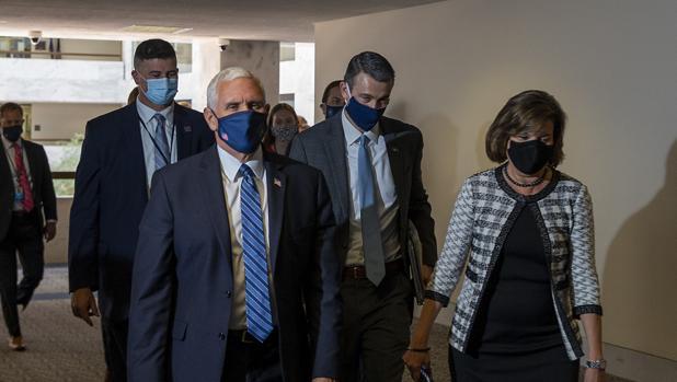 Aumenta la presión sobre Trump para que se ponga mascarilla