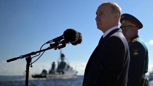 Putin desafía de nuevo al coronavirus con más desfiles militares