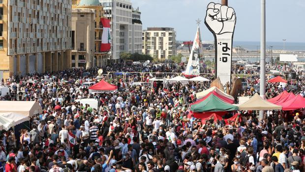 Los manifestantes toman dos ministerios en Beirut y el primer ministro plantea adelantar elecciones