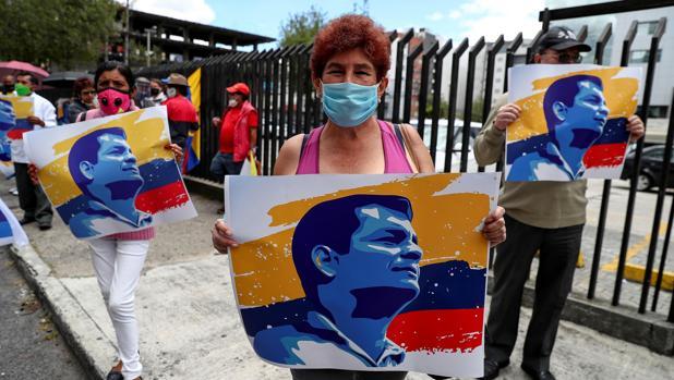 Rechazan la inscripción a distancia de Rafael Correa como candidato a vicepresidente de Ecuador
