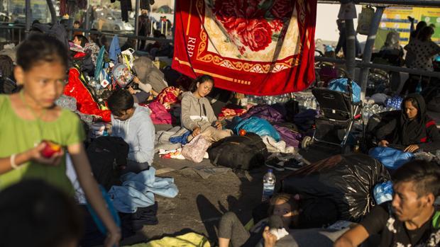 Alemania y Francia acogerán «el grueso» de 400 menores sin techo de Moria