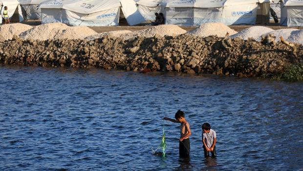 España no recibirá refugiados de Moria por «estar en situación parecida a Grecia»