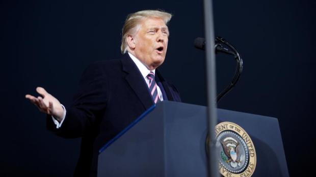 Trump dice que si no fuera por él habría millones de muertos por el coronavirus