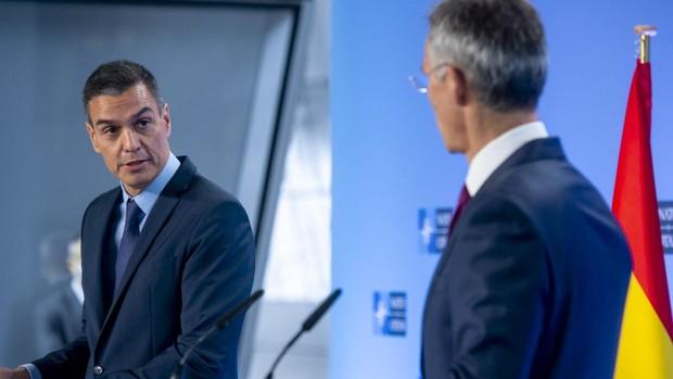 Sánchez viaja a la OTAN para elogiar al secretario general