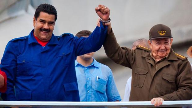 Más de 220.000 cubanos han pasado por Venezuela en 21 años de chavismo