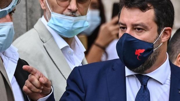 El Gobierno italiano elimina la dura ley de inmigración de Salvini