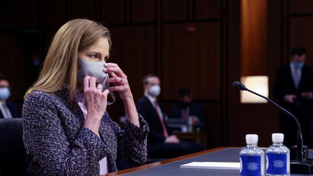 El Senado valida hoy el ingreso de la jueza Barrett al Supremo