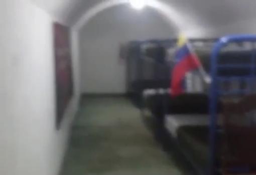 Dormitorio de uno de los túneles