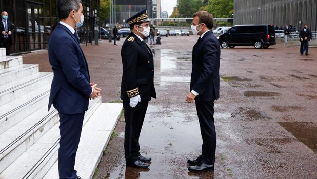Macron pone en marcha una movilización total del Estado contra la barbarie islamista