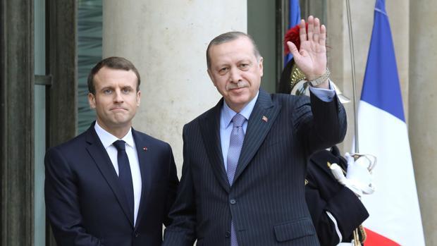 Erdogan aconseja a Macron «terapia mental» por su postura frente al islamismo