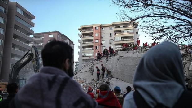 Aumenta a 115 el número de víctimas mortales a causa del terremoto en el Egeo