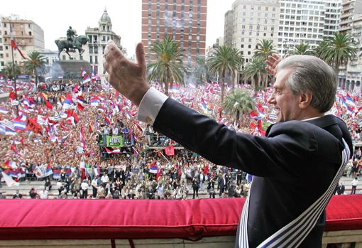 Tabaré Vázquez, after winning the elections in 2005