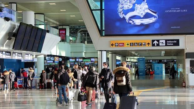 Países Bajos, Bélgica e Italia suspenden los vuelos con el Reino Unido por temor a la nueva cepa