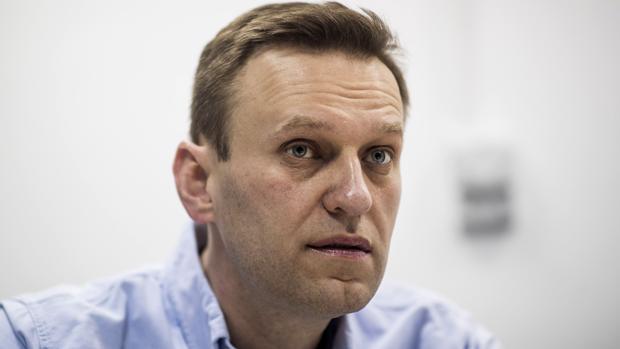 Navalni logra que uno de sus supuestos envenenadores confiese cómo puso Novichok en sus calzoncillos