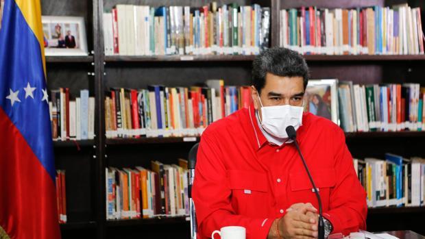 Maduro amenaza con aplicar el peso de la ley contra Guaidó y el Parlamento