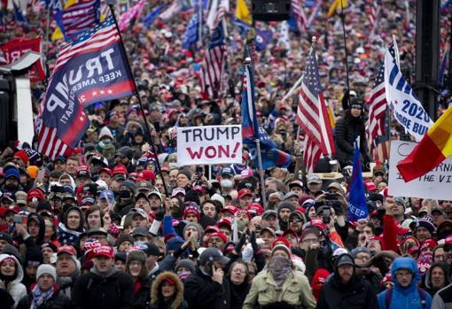هزاران طرفدار ترامپ در نزدیکی کاخ سفید جمع شدند