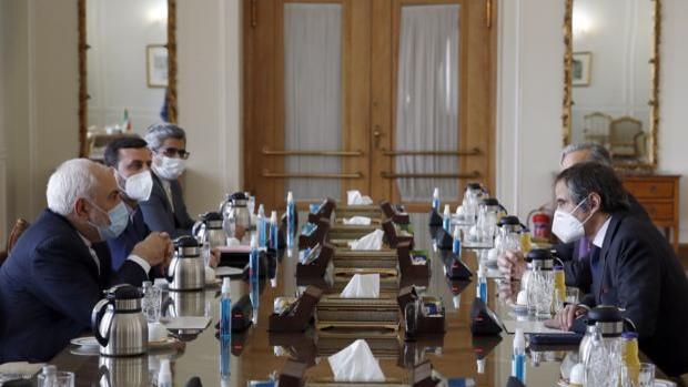 Irán no cede y restringirá la labor de los inspectores nucleares