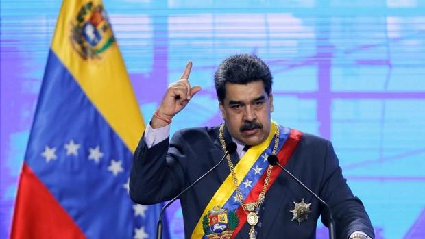 Maduro condena las «agresiones» de España y dice que «revisará a fondo» todas las relaciones