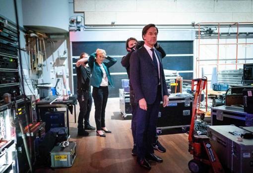 Rutte, before a television debate