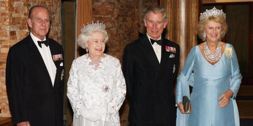 El Príncipe Carlos rinde un sentido tributo a su «querido papá», Felipe de  Edimburgo | Noticias de FreeAds World