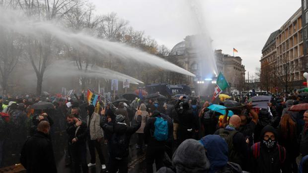 Índice de Paz Global: la pandemia aumentó las protestas civiles y aceleró la inestabilidad política en el