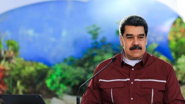 Maduro se encierra y solo aparece en público a través de la televisión oficial