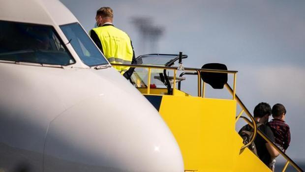 La Casa Blanca acelera las evacuaciones con aviones comerciales