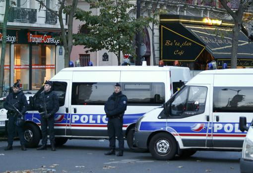 The Police in the vicinity of the Bataclan room, one of those affected by the terrorist attacks in Paris