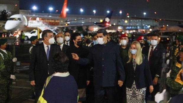 Nicolás Maduro se presenta por sorpresa en México para participar en la Celac