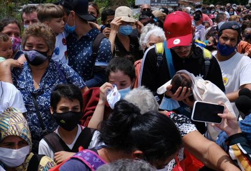 Colombians and Venezuelans await the reopening of the Simón Bolívar international bridge