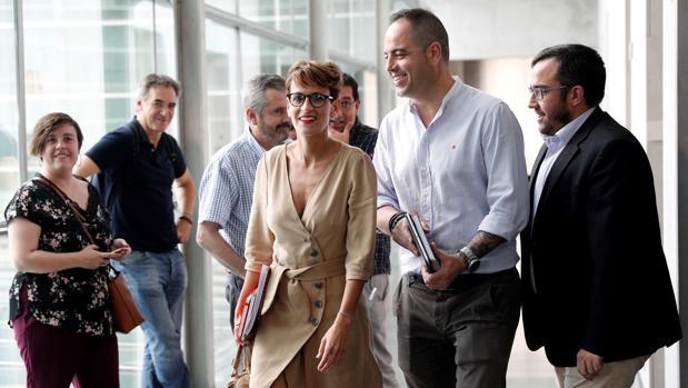 María Chivite (c) ha alcanzado un acuerdo con Geroa Bai, Podemos e Izquierda-Ezkerra.