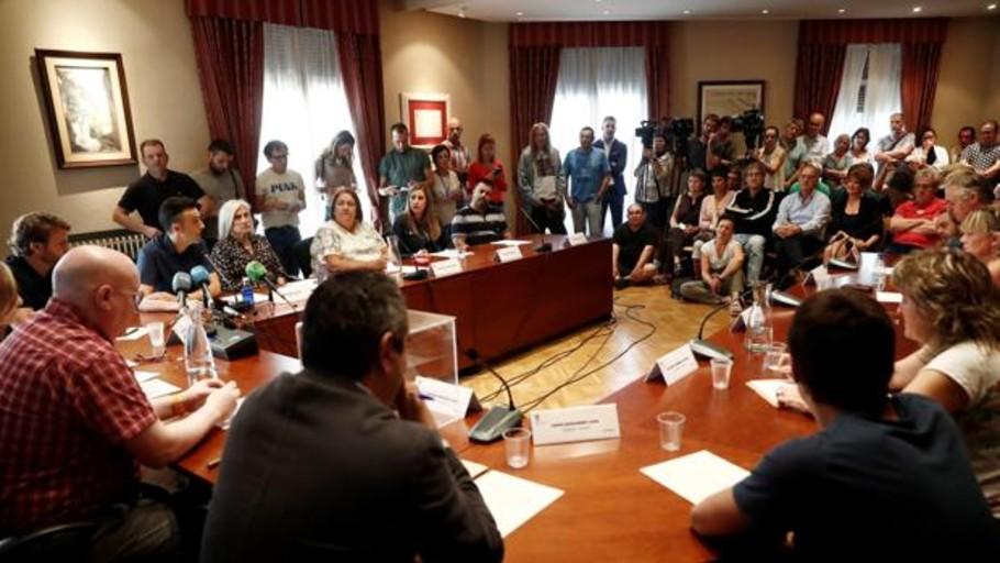 El PSOE paga su pasaje a Bildu