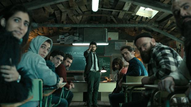 Una de las escenas del capítulo piloto de La casa de papel en la que se ve a sus principales protagonistas