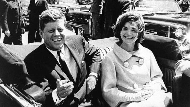 El presidente de los Estados Unidos John F. Kennedy y a la primera dama Jacqueline Kennedy