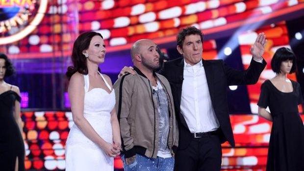Kiko Rivera junto a Manel Fuentes y Diana Navarro durante su visita a «Tu cara me suena»
