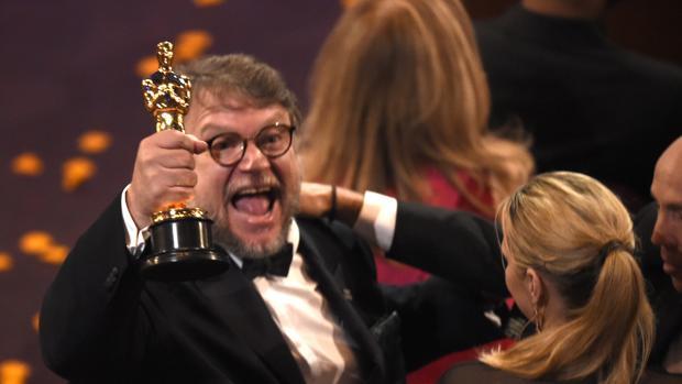 Guillermo del Toro triunfa en los Oscar 2018 con «La forma del agua»