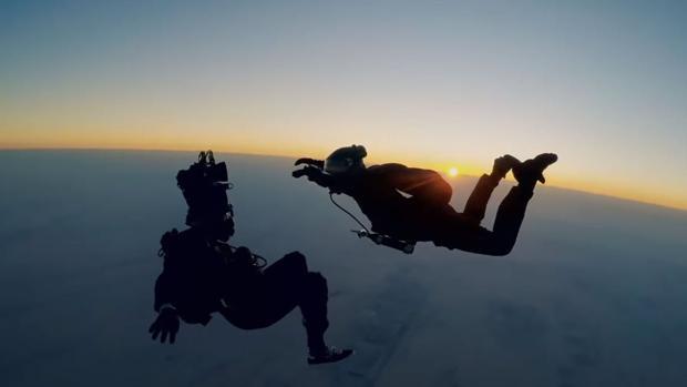 Imagen del salto de Tom Cruise en «Misión Imposible: Fallout»