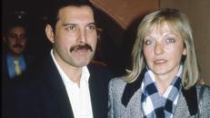 Mercury junto a Mary Austin