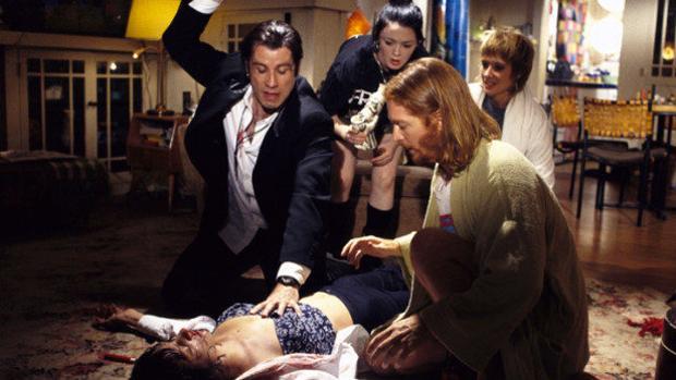 Momento en que Vincent Vega trata de reanimar a Mia Wallace en «Pulp Fiction»