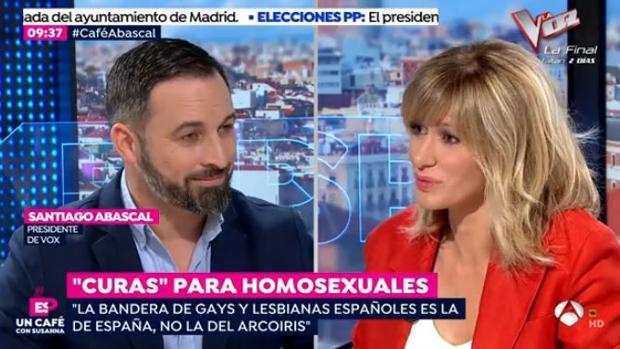 Santiago Abascal charla con Susanna Griso en «Espejo Público»