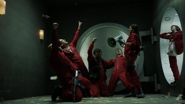 Elenco de «La casa de papel» durante una de las escenas de la serie