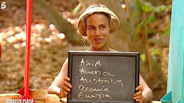 Mónica Hoyos pensaba que Australia era un continente
