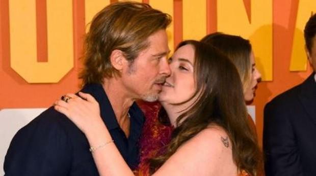 Brad Pitt y Lena Dunham en la premiere de «Érase una vez en Hollywood»