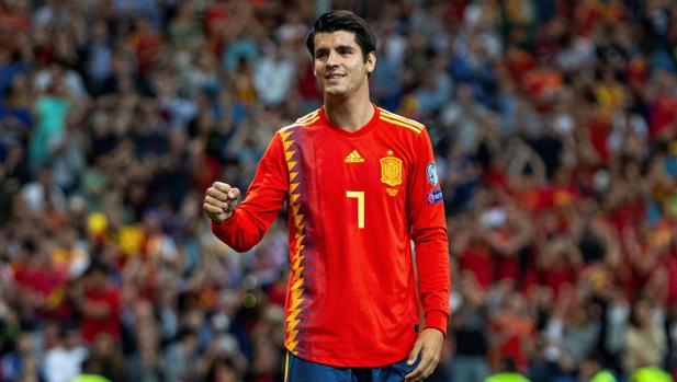 El delantero Álvaro Morata celebra un gol con la selección española de fútbol